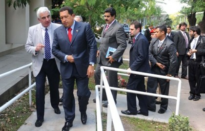 Enrique con Chávez y Maduro
